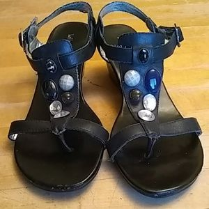 Kelly & Katie sandals SIZE 8M